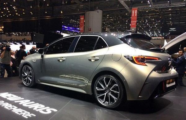 Toyota Auris 2021